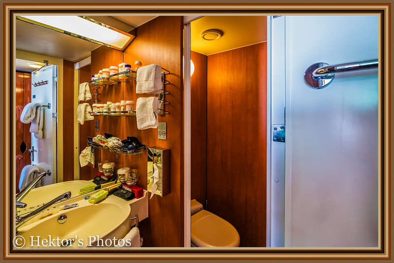 Stateroom 10024-13.jpg