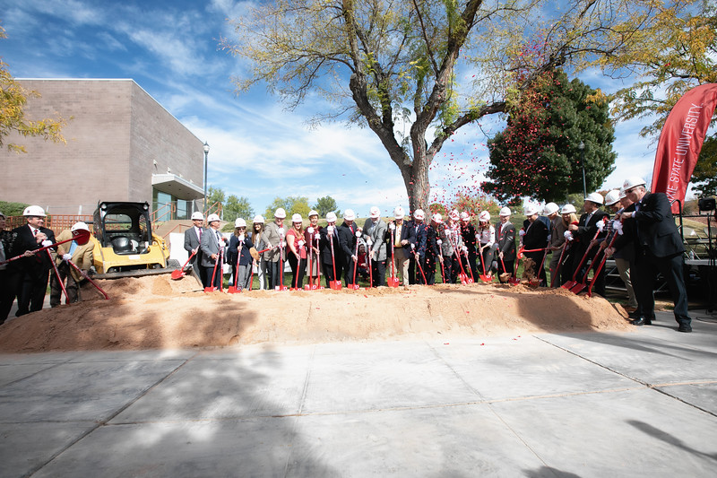 SCIENCE BUILDING GROUND BREAKING 2019-8948-Edit.jpg