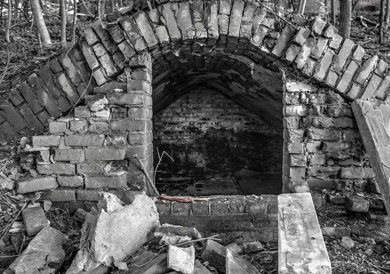 tomb 2.jpg