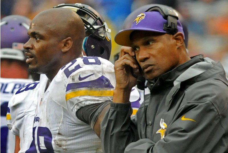 ". <p>6. MINNESOTA VIKINGS <p>They could be worse. They could be the Cleveland Browns. (unranked) <p><b><a href=\'http://www.twincities.com/sports/ci_24101701/tom-powers-vikings-loss-not-unexpected-just-unexpectedly\' target=""_blank\""> HUH?</a></b> <p>    (Pioneer Press: Sherri LaRose-Chiglo)"
