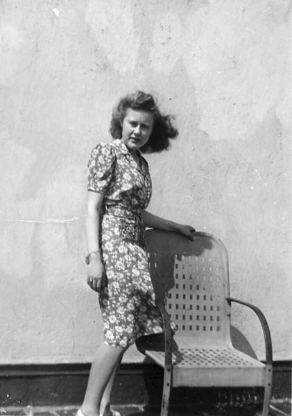 1946abt Lee in Wind.jpg