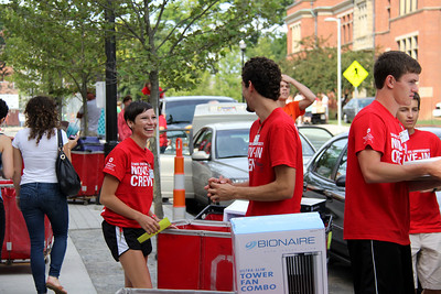 Welcome Week move in day 2013