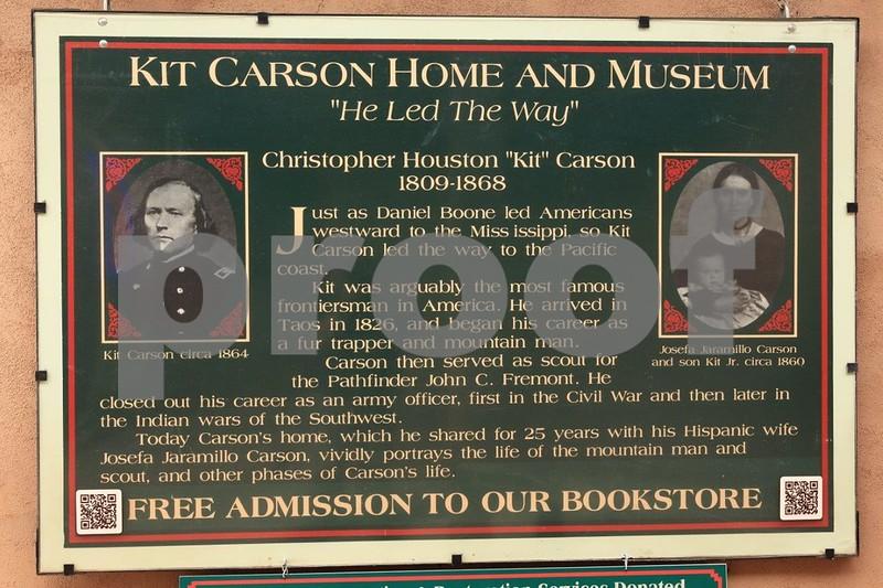 Taos, Kit Carson 6713.jpg