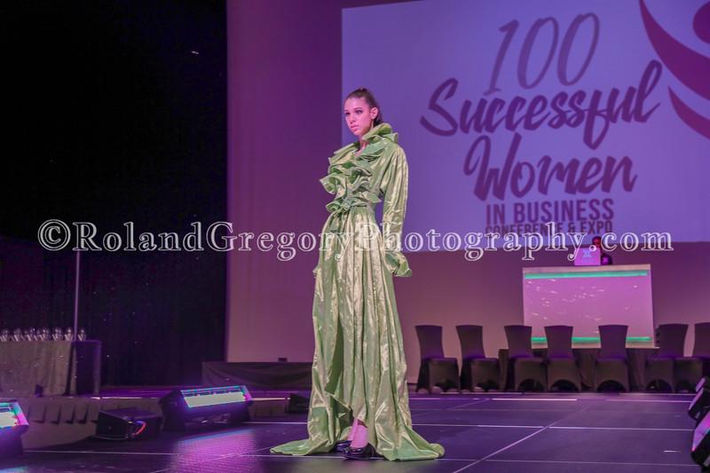 100 Womens Fashion show2019-3399.jpg