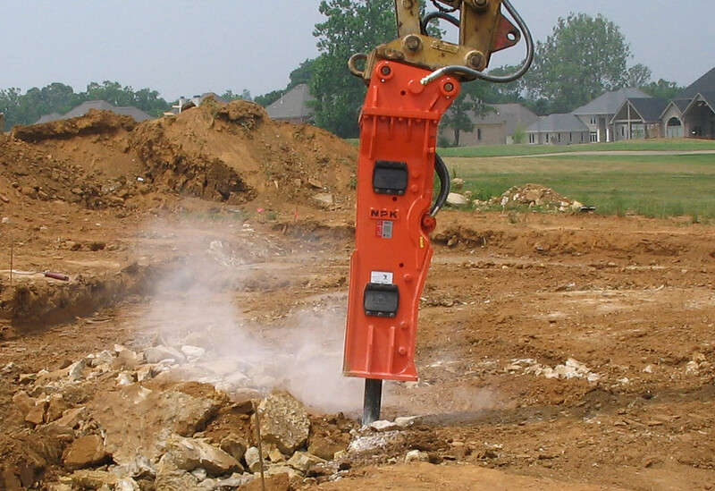 NPK GH9 hydraulic hammer on Cat excavator-site excavation (4).jpg