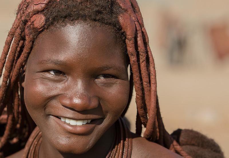 Sarra-Cafema-Himba-1800px-width-@100%.jpg