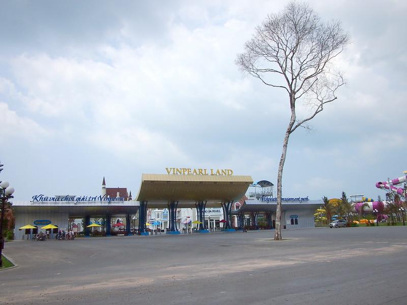 P1317291-vinpearl-land.JPG