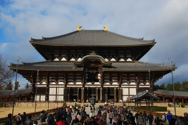 Todai-ji - Buddhist temple and the world's largest wooden building  (C) 2009 Brian Neal