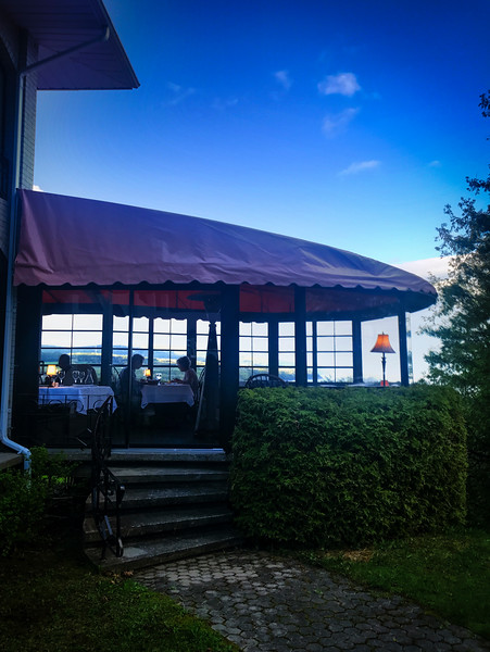 Baie Saint Paul Auberge des Falaises.jpg