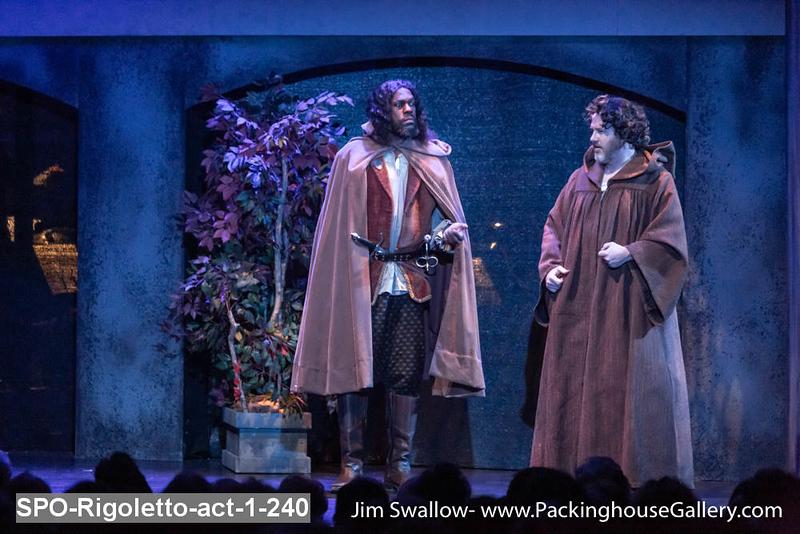 SPO-Rigoletto-act-1-240.jpg