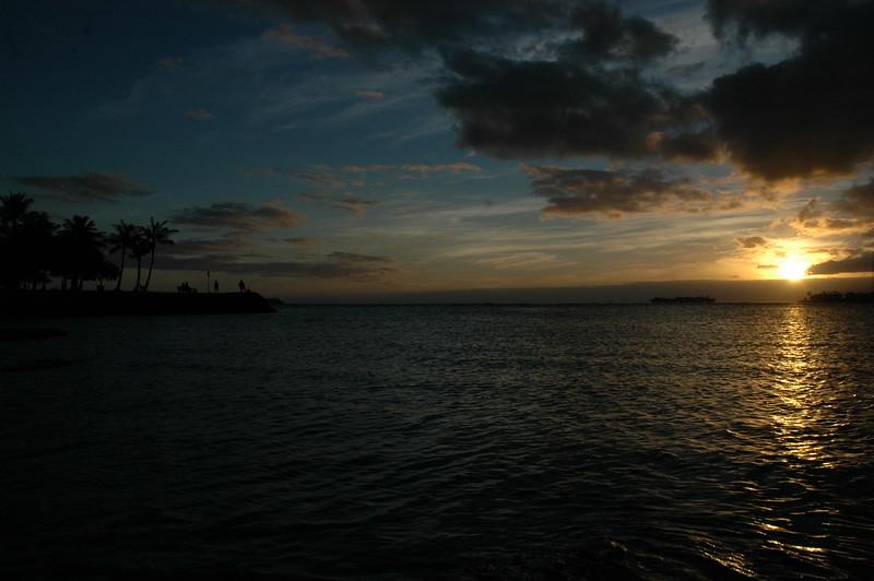 Hawaii - Ala Moana Beach Sunset-41.JPG