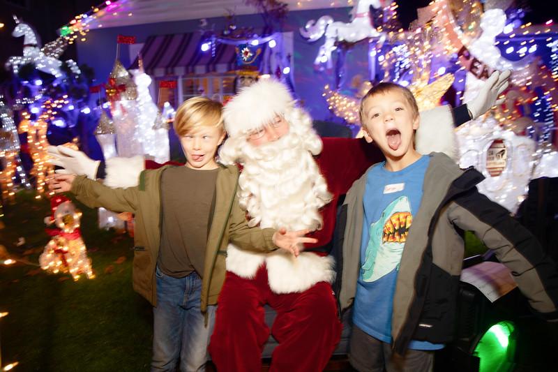12-08-19-Christmas With Chris & Family-45.jpg