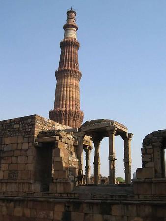 Visit to the Qutab Minar and a Gurdwara in New Delhi