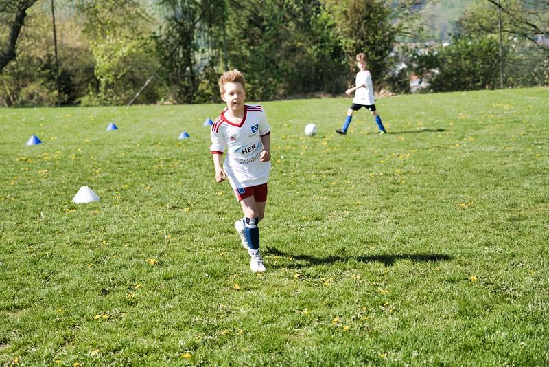 hsv-fussballschule---wochendendcamp-hannm-am-22-und-23042019-y-27_47677908522_o.jpg
