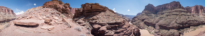 Three hundred and sixty degrees of river and cliffs in the Grand Canyon
