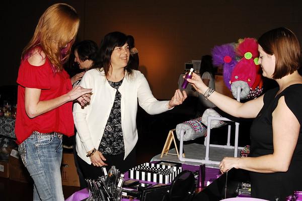 04-08-17 NEWS Compass Flea Market & Craft Show