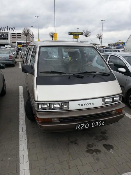 Toyota F-Series Van