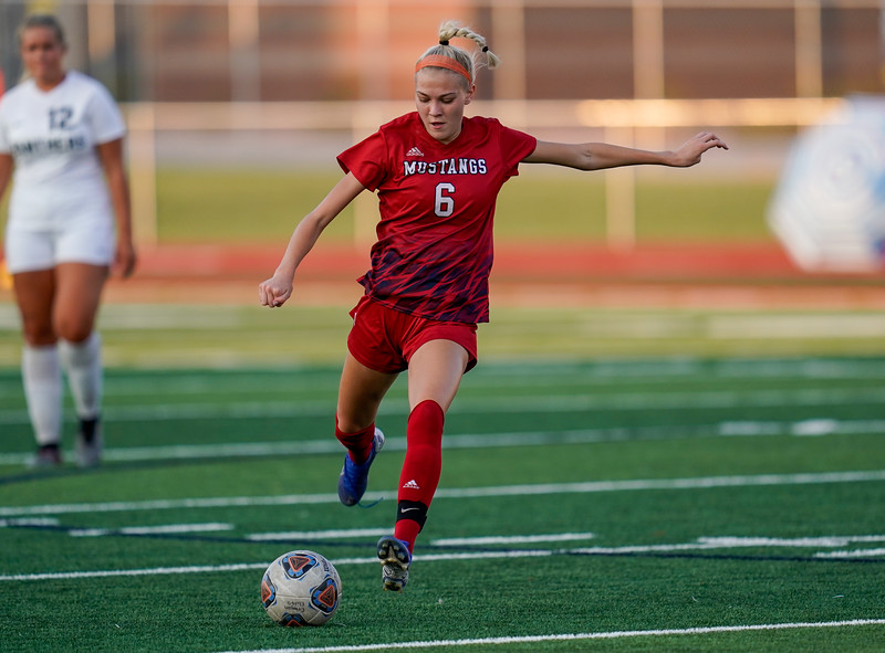 CCHS-vsoccer-pineview0915.jpg