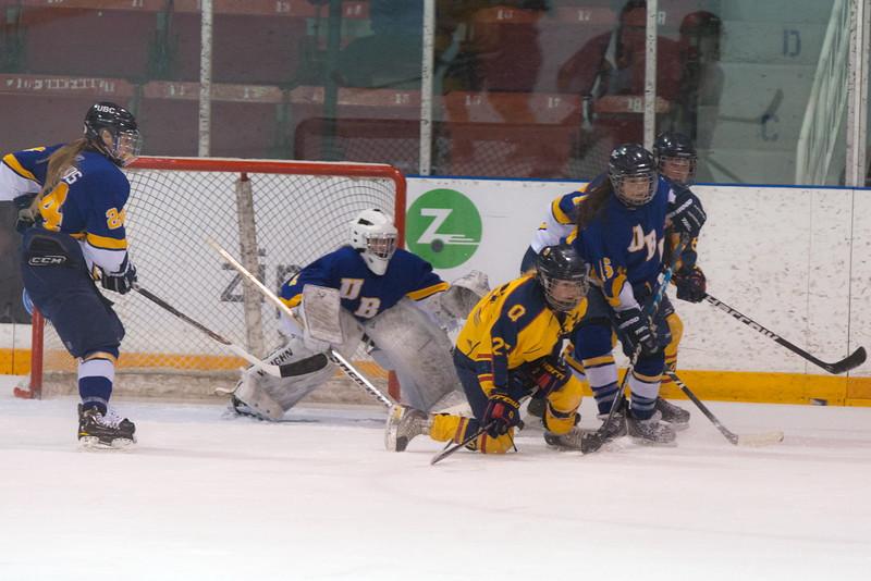 20130310 QWHockeyvsUBC 296.jpg