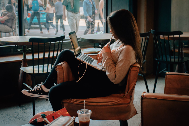 Coffe shop girl.jpg