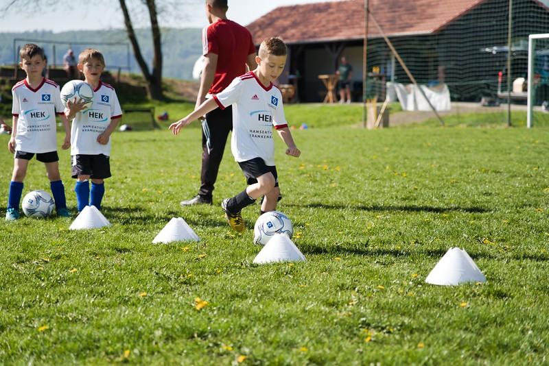 hsv-fussballschule---wochendendcamp-hannm-am-22-und-23042019-u10_46814452425_o.jpg