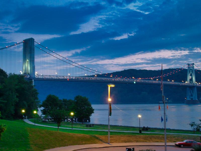 Midhudson Bridge.jpg
