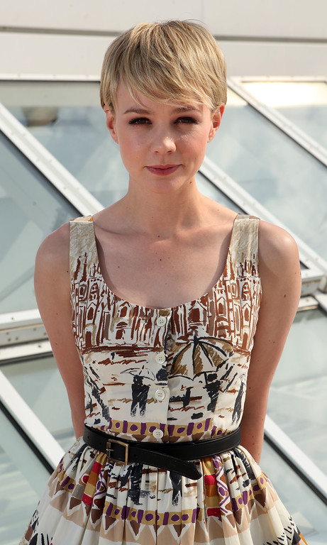 ". Actress Carey Mulligan poses for a portrait, while promoting ""Wall Street: Money Never Sleeps\"", at the at the 63rd international film festival, in Cannes, southern France, Thursday, May 13, 2010. (AP Photo/Mark Mainz)"