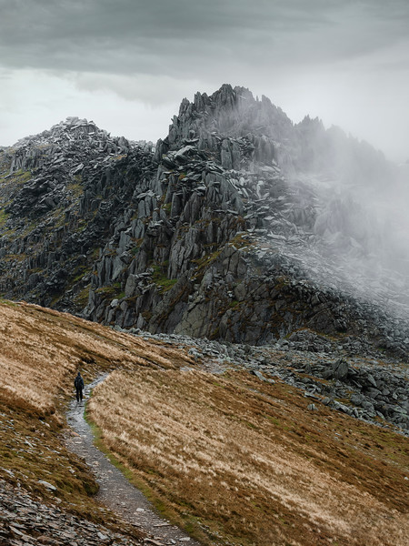 Snowdonia castle of the winds glyder llyn oqwen tryfan.jpg