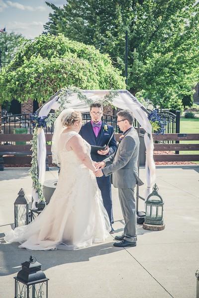 Beloit-WI-Ironworks-hotel-Wedding-Photographere_m_53.jpg