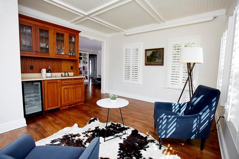 INSIDE HOUSE11681.jpg