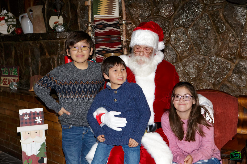 Arsenault-Lovell Santa Session 2019