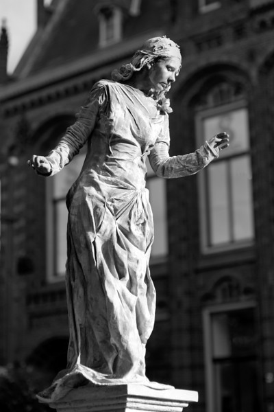 Arnhem world statues-05319BW.jpg