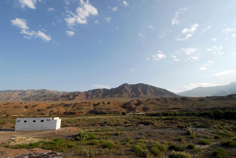 060723 2231 Kyrgystan - Lake Issuk-Kul - Drive from Airport _D _E _I ~E ~L.JPG