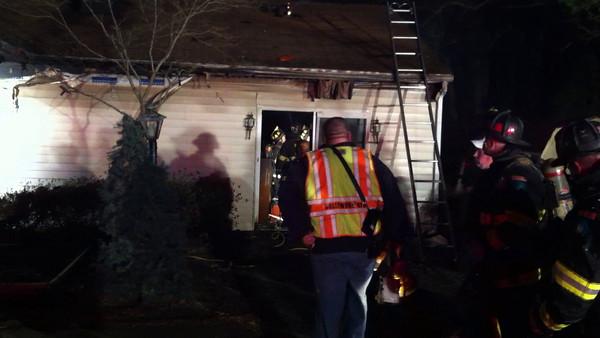 2/27/2011 - Fire East Quincy in Town Creek