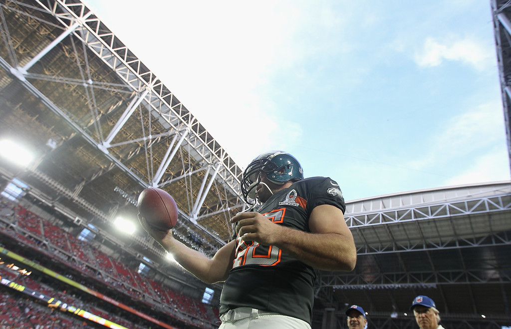 . GLENDALE, AZ - JANUARY 25:  Team Irvin long snapper Jon Dorenbos #46 of the Philadelphia Eagles warms up before the 2015 Pro Bowl at University of Phoenix Stadium on January 25, 2015 in Glendale, Arizona.  (Photo by Christian Petersen/Getty Images)