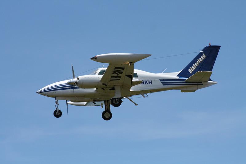 VH-SKH HINTERLAND AVIATION CESSNA-310R