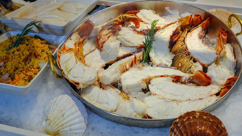 Lobster in Munich II-16x9-DSCF0030.jpg