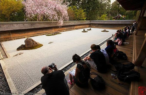Ryoan-ji Temple, Kyoto : copyright Damien Douxchamps