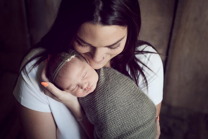 Newborn Liénna-12.jpg