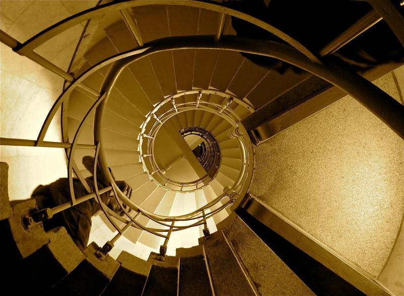 stairwell-BerlinVictory copy.jpg