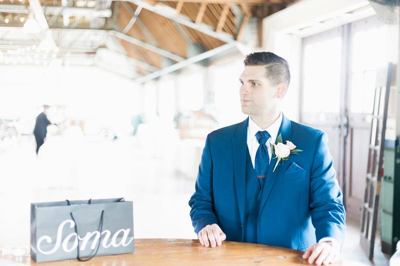 jamie-matt-wedding-at-packard-proving-grounds-intrigue-photography--40.jpg