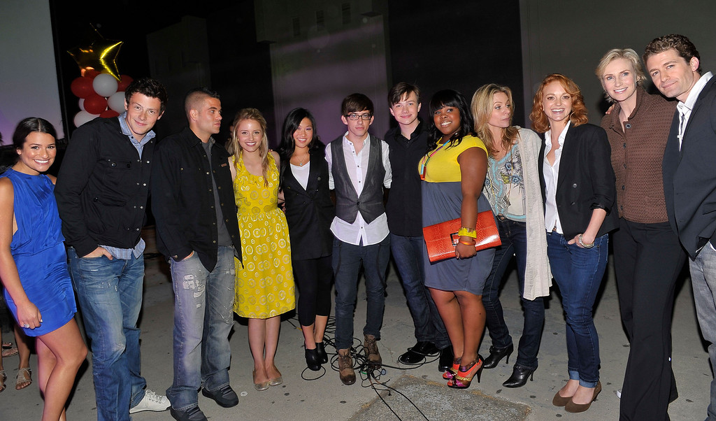 . SANTA MONICA, CA - MAY 11:  (L-R) Actors Lea Michele, Cory Monteith, Mark Salling, Dianna Agron, Jenna Ushkowitz, Kevin McHale, Chris Colfer, Amber Riley, Jessalyn Gilsig, Jayma Mays, Jane Lynch and Matthew Morrison attend the GLEE premiere event screening at Santa Monica High School on May 11, 2009 in Santa Monica, California.  (Photo by Charley Gallay/Getty Images for Fox)