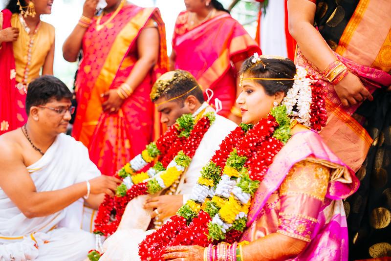 Yashodhar-Carolyn-325.jpg