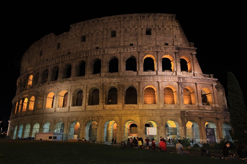 AITALY 2015,11 229A, SMALL, Colusseum at night, Rome.jpg