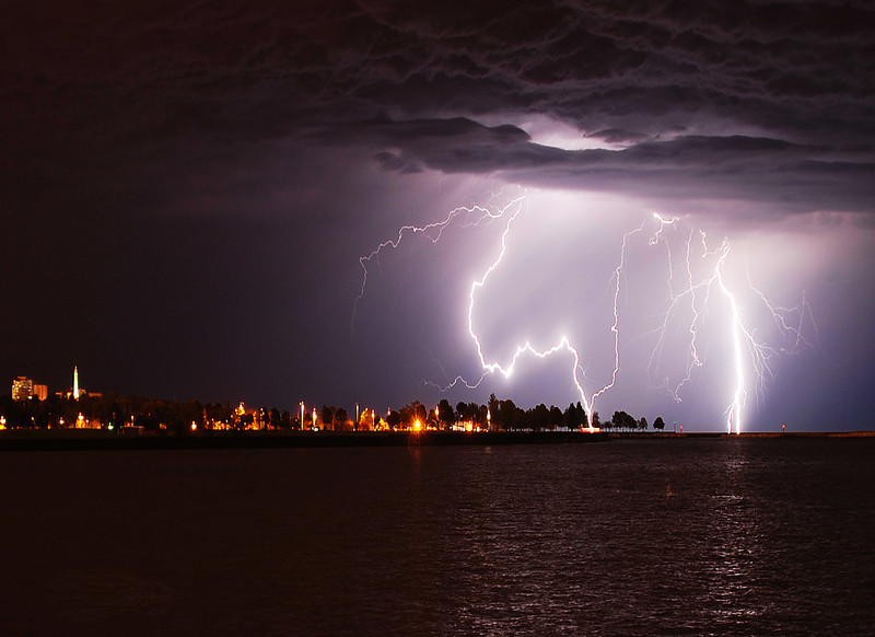 Lightning storm 074 low y.jpg