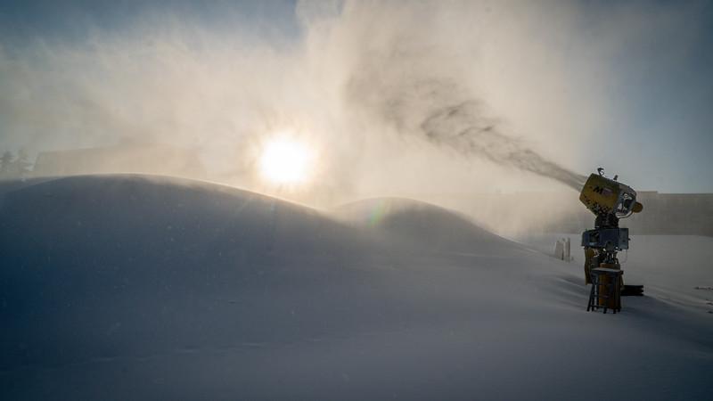 Snowmaking 1920-04756.jpg