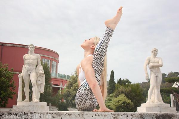 Ambra Vallo - Yoga