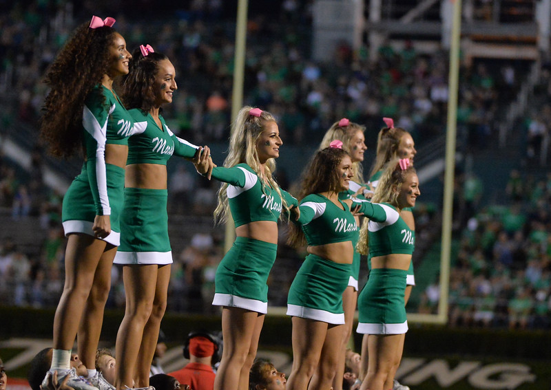 cheerleaders5568.jpg