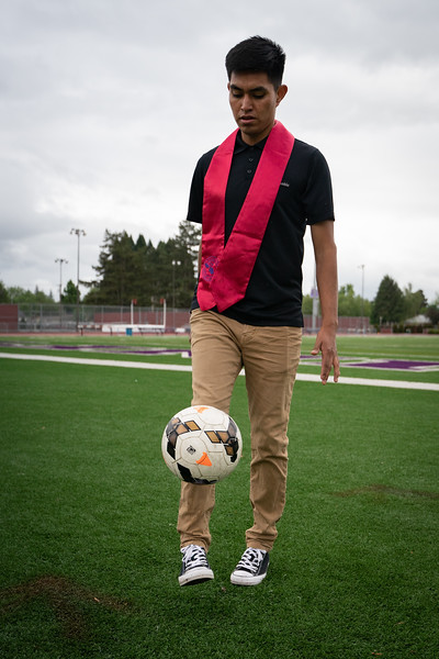 1905_15_efrain_senior_pictures-03662.jpg
