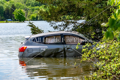 20180507 - Old Hickory - Vehicle in the Water